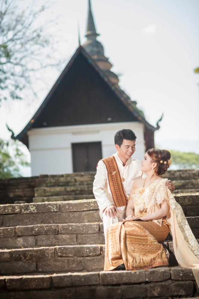 โดยสีครีมเวดดิ้งสตูดิโอ เชียงใหม่ รับถ่ายภาพเวดดิ้ง เช่าชุดแต่งงาน การ์ดแต่งงาน